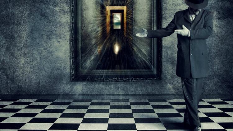 Магия зеркало напротив двери